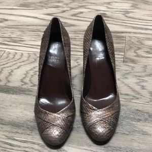 Salvatore Ferragamo shoes size 8